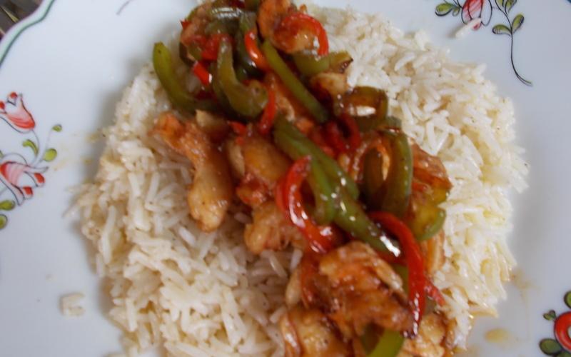 Crevettes à la chinoise, riz basmati et poivrons