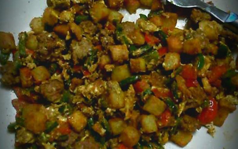 Boeuf, poivrons et pomme de terre au raz el hanout