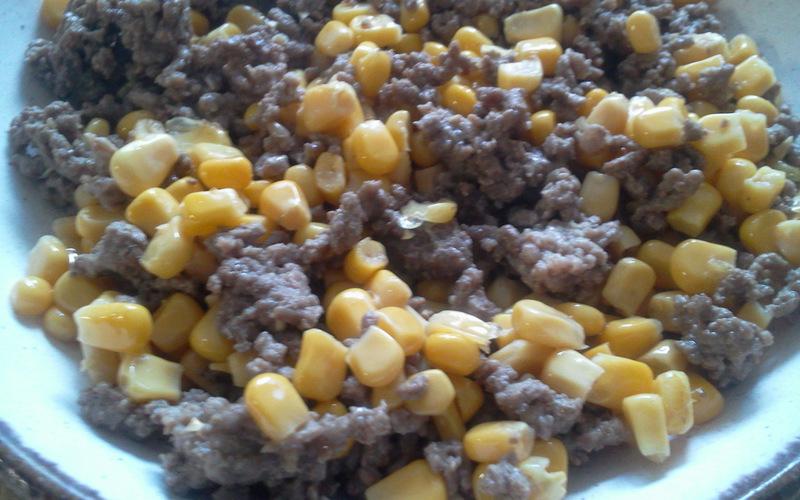 Viande hachée et maïs