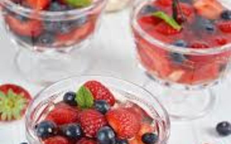 Soupe de fruits rouges ( recette Detox)