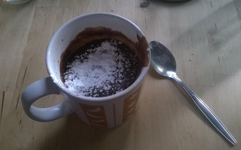 Mug cake coulant au chocolat (micro-onde)