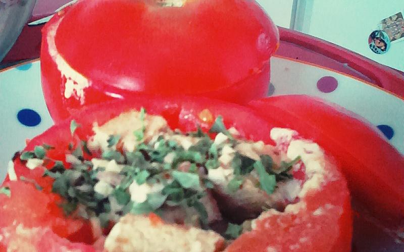 Tomates farcies au tofu sans four !