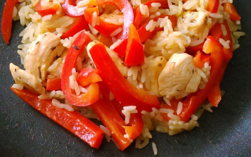 Riz pilaf au poulet et au poivron