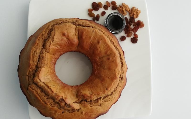 Cake au Pekmez Raisins et Noix