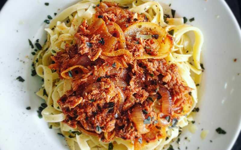Tagliatelles thon tomate basilic