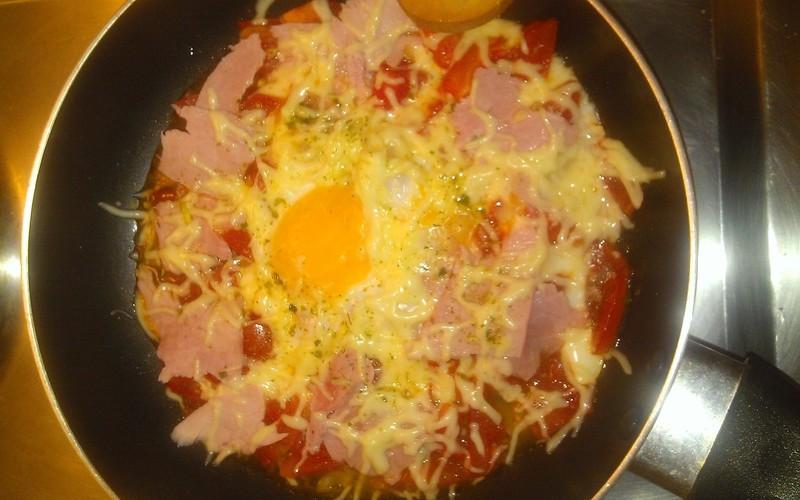 Oeuf au plat et sa compotée de tomates
