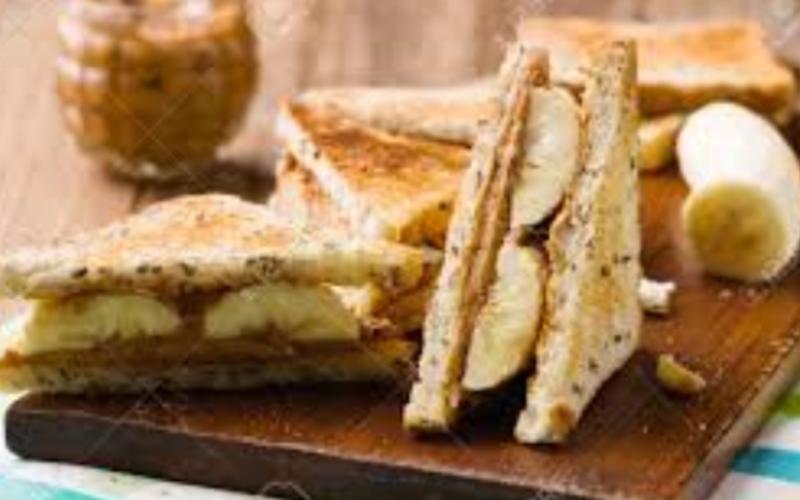 Sandwich au beurre d'arachide et à la banane