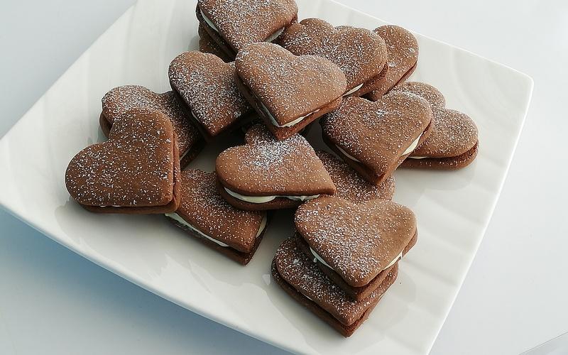 Biscuits fourrés  au chocolat blanc