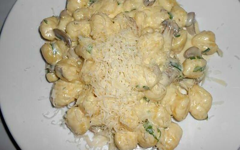 Gnocchis à la crème de parmesan et champignons
