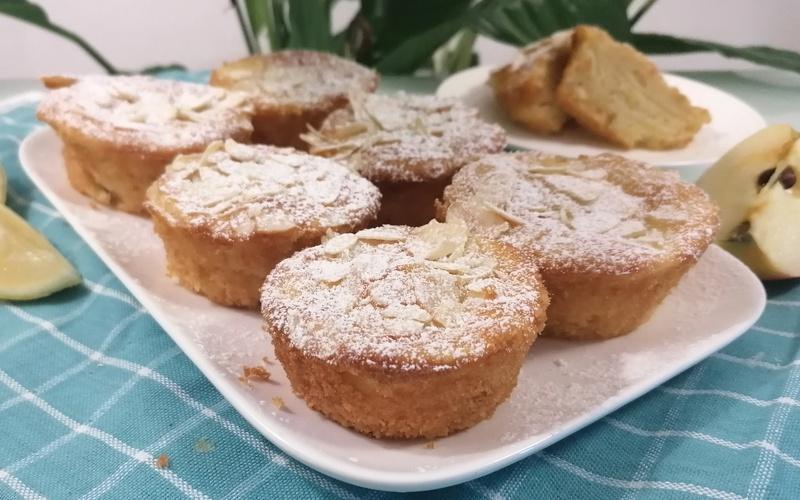 Mini cakes aux pommes et citron