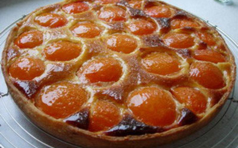 recette tarte aux abricots et amandes conomique et simple cuisine tudiant. Black Bedroom Furniture Sets. Home Design Ideas