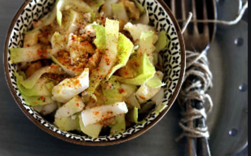 Salade de tofu aux herbes sauce au gomasio