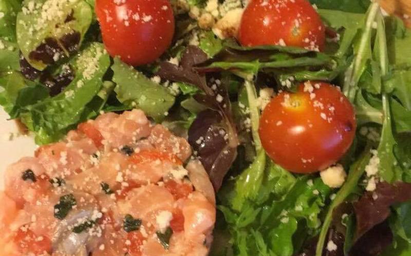 Tartare de saumon et menthe fraiche