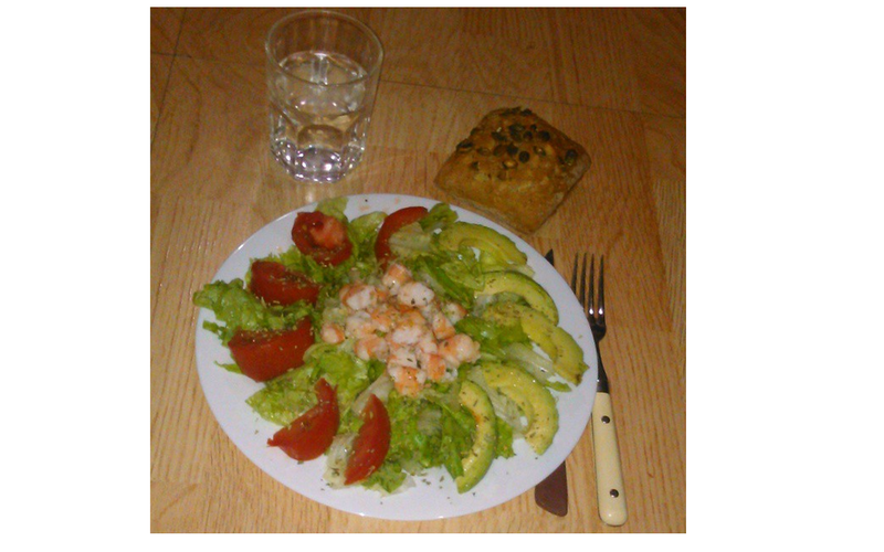 Salade avocat / crevette / tomate