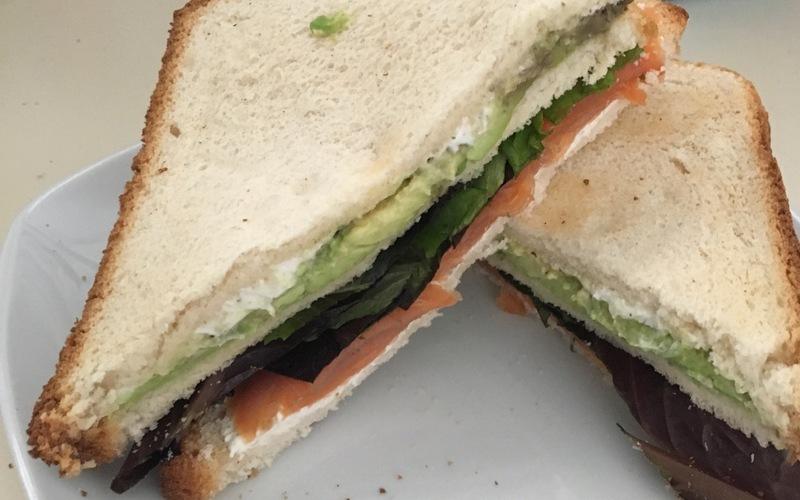 Club sandwich truite avocat