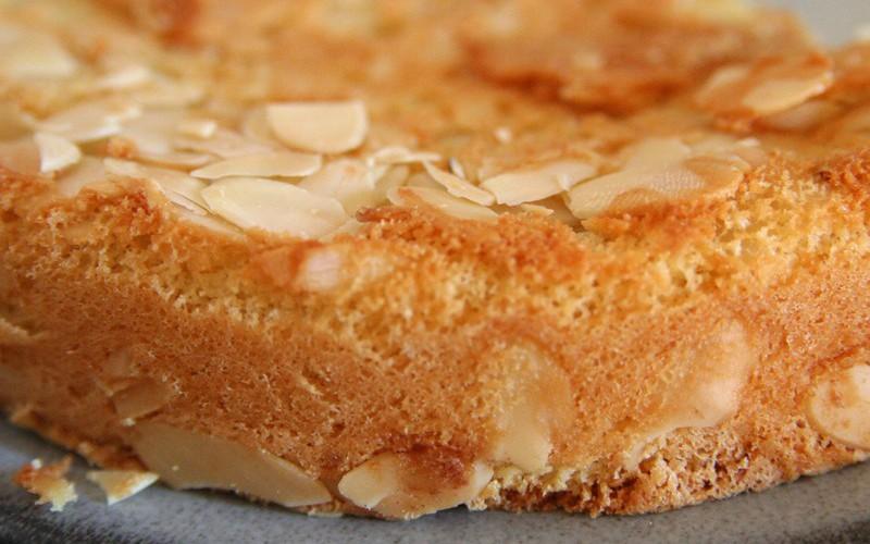 Gâteau fleur d'oranger et amandes effilées