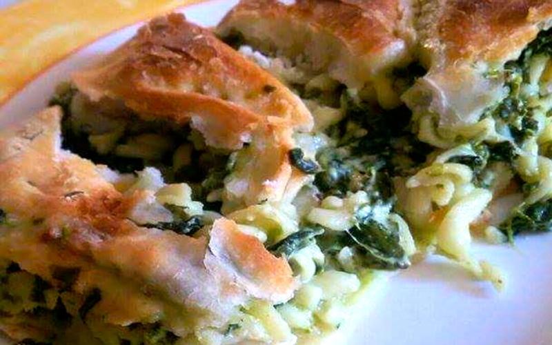 Calzone aux épinards, pâtes et chèvre