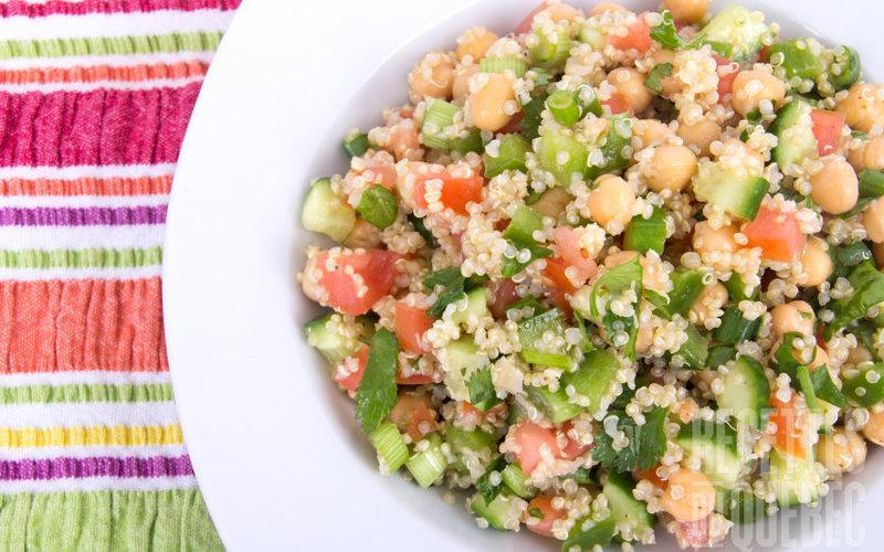 Salade de quinoa et légumes estivaux