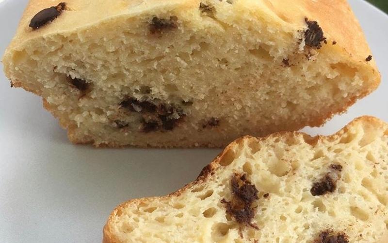 Cake moelleux aux pépites de chocolat N°2