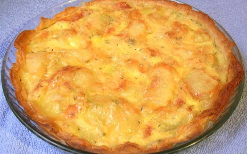 recette tarte la pomme de terre fa on tartiflette conomique et simple cuisine tudiant. Black Bedroom Furniture Sets. Home Design Ideas