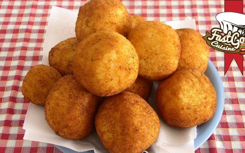 Arancini (boulettes de riz farcies)