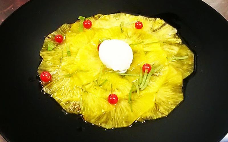 Carpaccio d'ananas aux épices