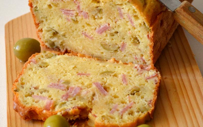 Cake jambon et olives !