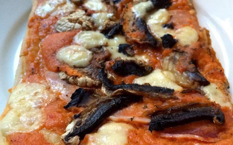 Pizza entièrement maison