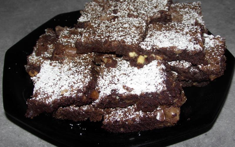Brownie aux éclats de chocolat blanc