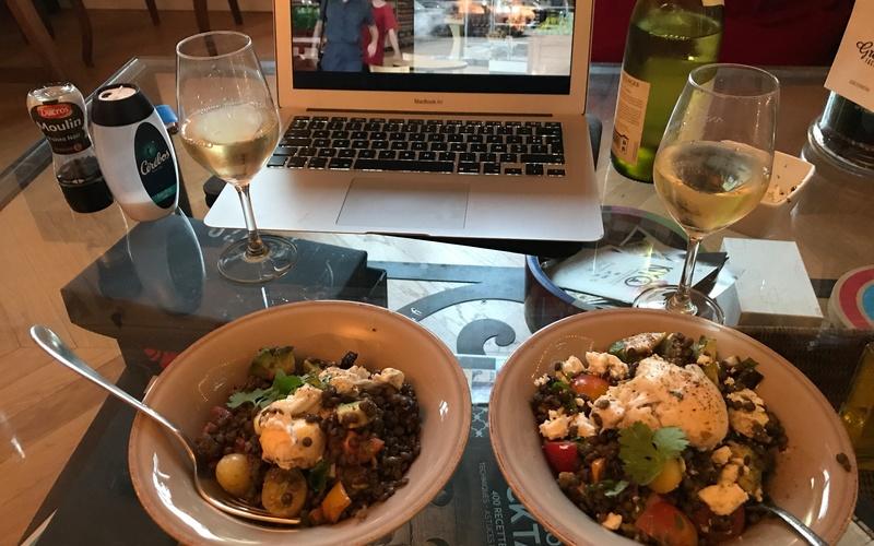 Salade de lentille à l'avocat et légumes grillés