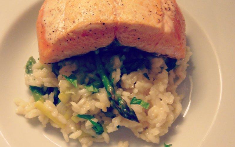 Pavé de saumon et risotto aux asperges