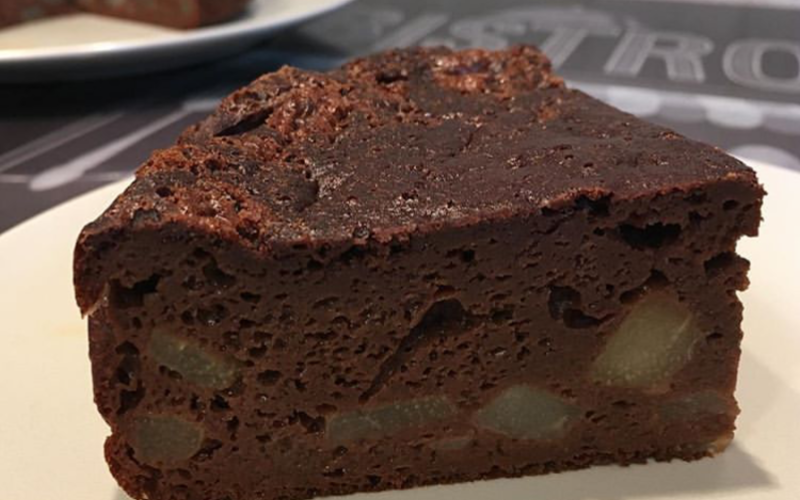 Gâteau moelleux chocolat-poires