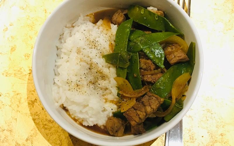 Sauté de bœuf aux oignons sauce soja