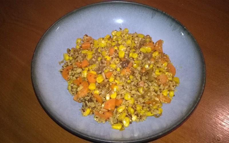 Poêlée colorée et quinoa
