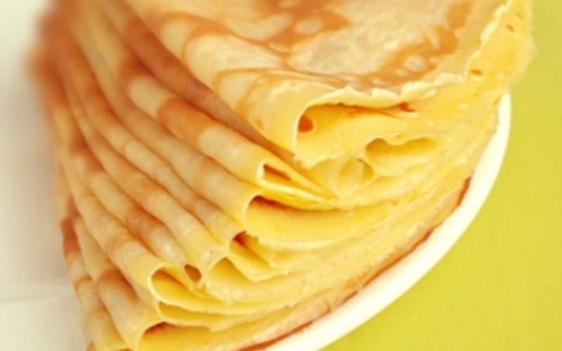 Recette cr pes ultra l g res pas ch re et simple cuisine tudiant - Recette crepe fine et legere ...