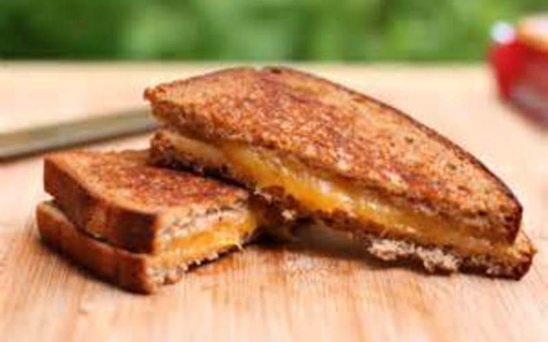 Le grilled cheese (sandwich)