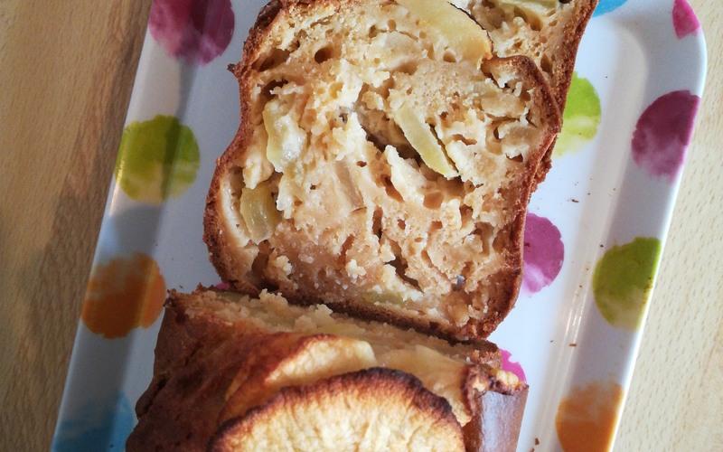 Gâteau au yaourt léger aux pommes