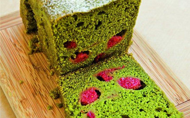 Gâteau au Thé Vert Matcha et framboises