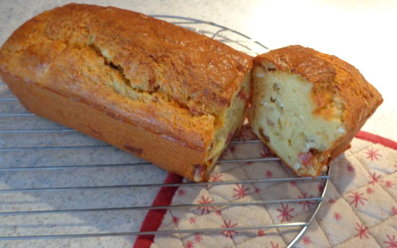 Cake lardon chèvre tomates séchées