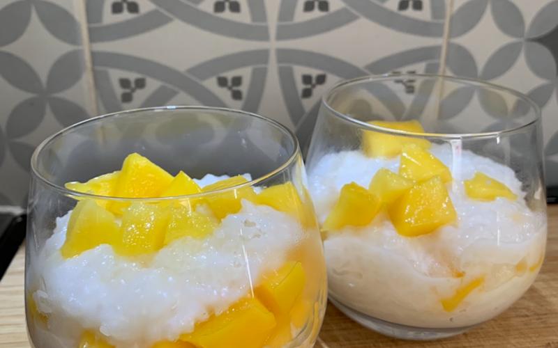 Riz gluant à la mangue et au lait de coco