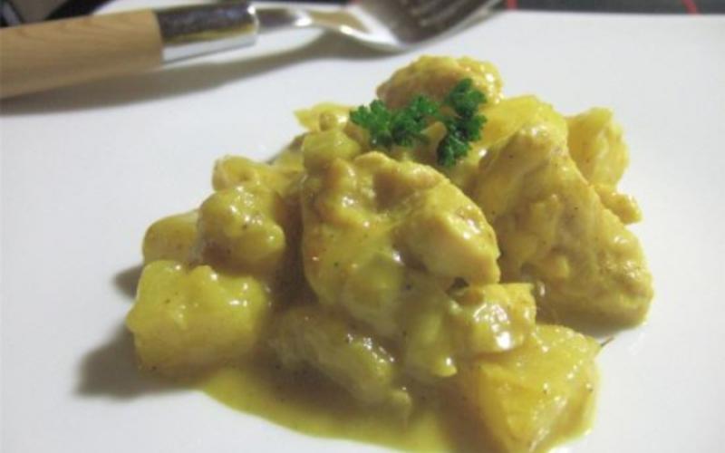 recette poulet au curry et lait de coco sublissime conomique et simple cuisine tudiant. Black Bedroom Furniture Sets. Home Design Ideas