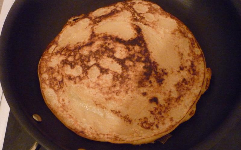 Pancakes aux fruits sans sucre ni oeufs