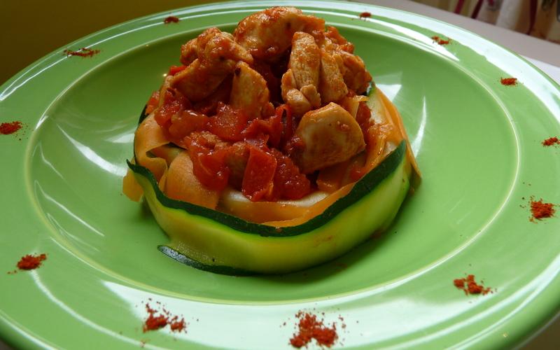 Tagliatelles de légumes et poulet tomate