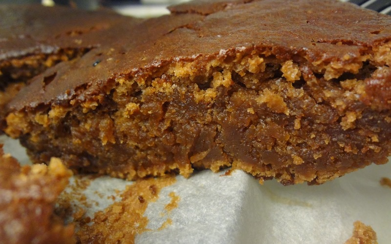Le gâteau au chocolat sans œufs méga fondant